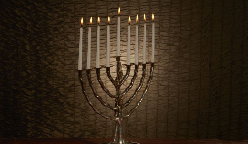 Menorah_candles_8