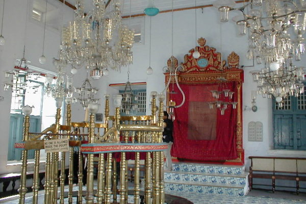 10 Oldest Synagogues Still Active Today