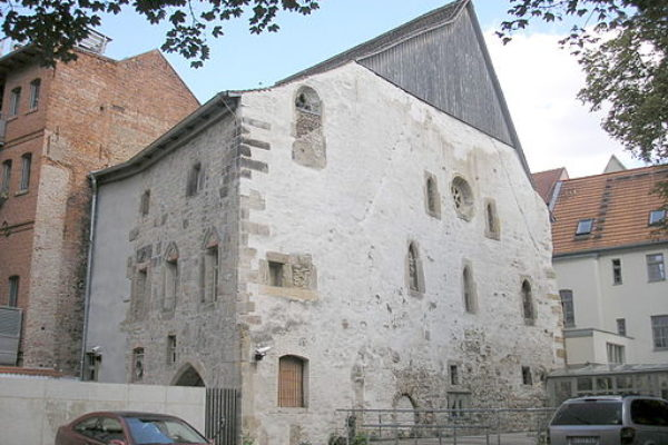 10 Oldest Non-Functioning Synagogues in the World