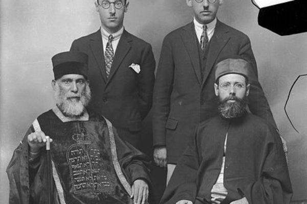 What is the History of the Jews in Greece?