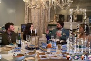 15 Minute Passover Seder – Short and Sweet